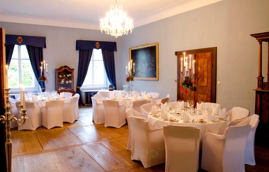 Burg Hemmersbach Seminar Venue And Meeting Rooms At Kerpen Germany