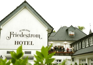 "Heiraten - barrierefreie Location - Köln, Bonn, Eifel ... - Hotelansicht  - Hotel ""Schloss Friedestrom"""