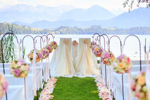 Heiraten - Eventlocation - Luzern - Zeremonie am See im Schloss-Park - Swiss-Chalet Merlischachen
