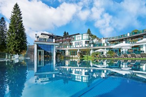 Heiraten - in den Bergen - Außenansicht Wasserwelt - Astoria 5* Relax & Spa Resort in Seefeld