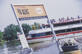 Heiraten - Art der Location: privates Anwesen - Donau Restaurant - Vabene