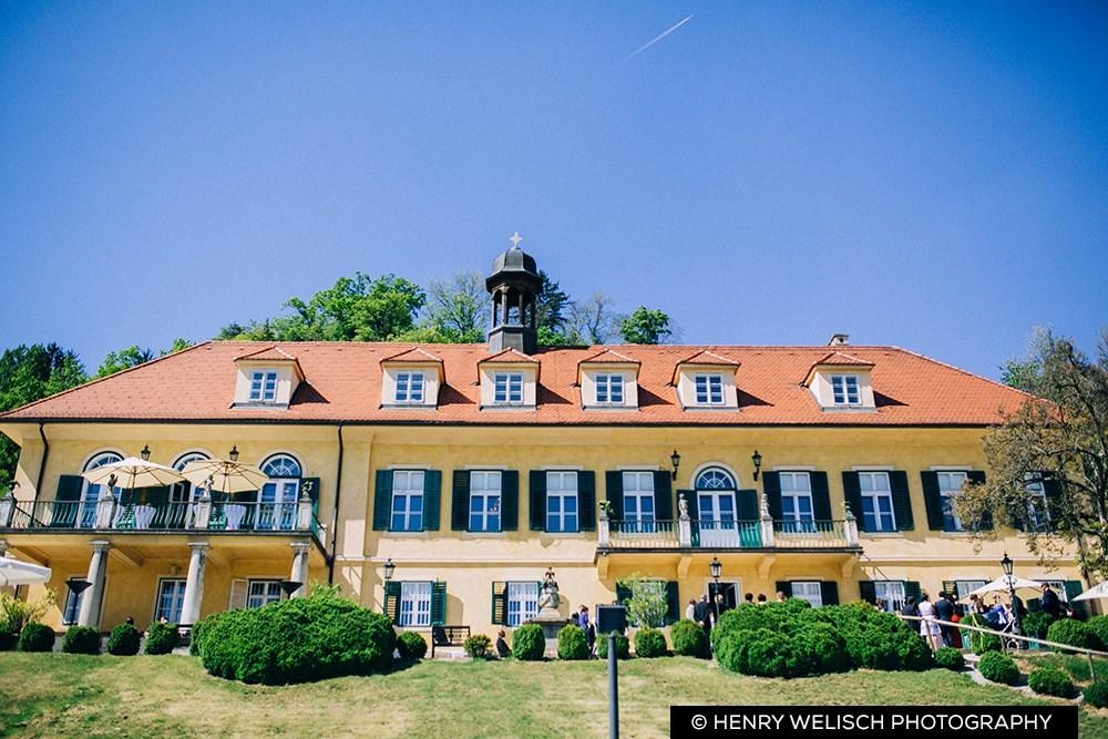 Graz Das Aiola Zog Ins Schloss Um A List